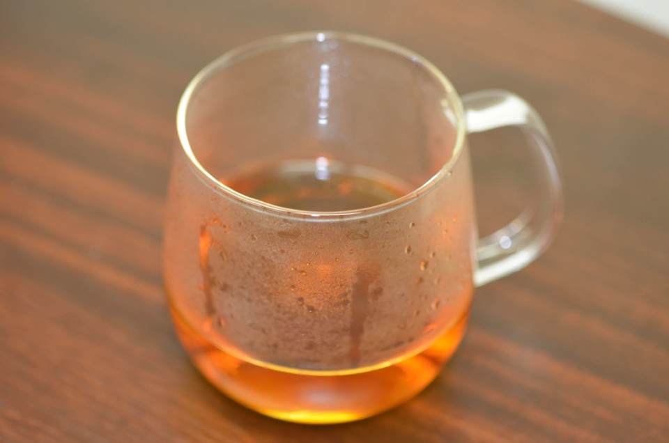 紅茶のはいったカップ