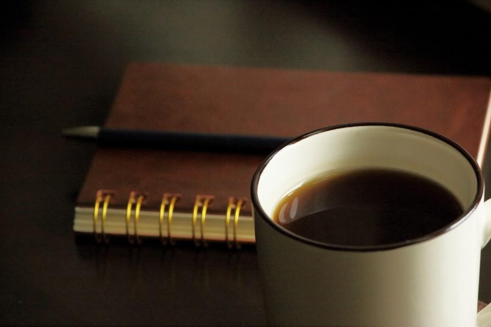 湯気の立っているコーヒー