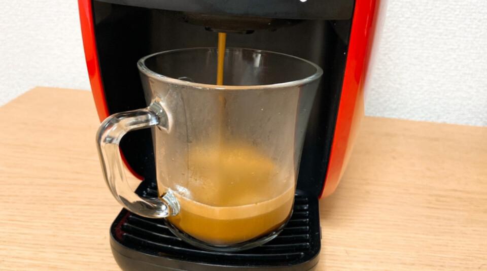 バリスタWでコーヒーを淹れてるところ
