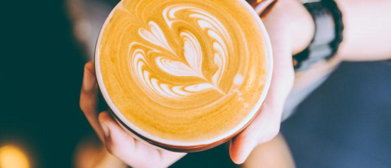 カフェオレを持ち歩くベストな方法とは?リスクや衛生面についてもチェック