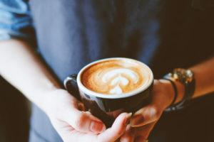 コーヒーカップの種類まとめ!レギュラーやカプチーノの違いや大きさの理由は?